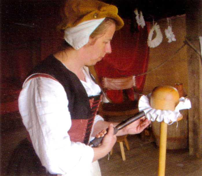 Me setting a neck ruff published in The Tudor Tailor by Ninya Mikhaila & Jane Malcolm-Davies